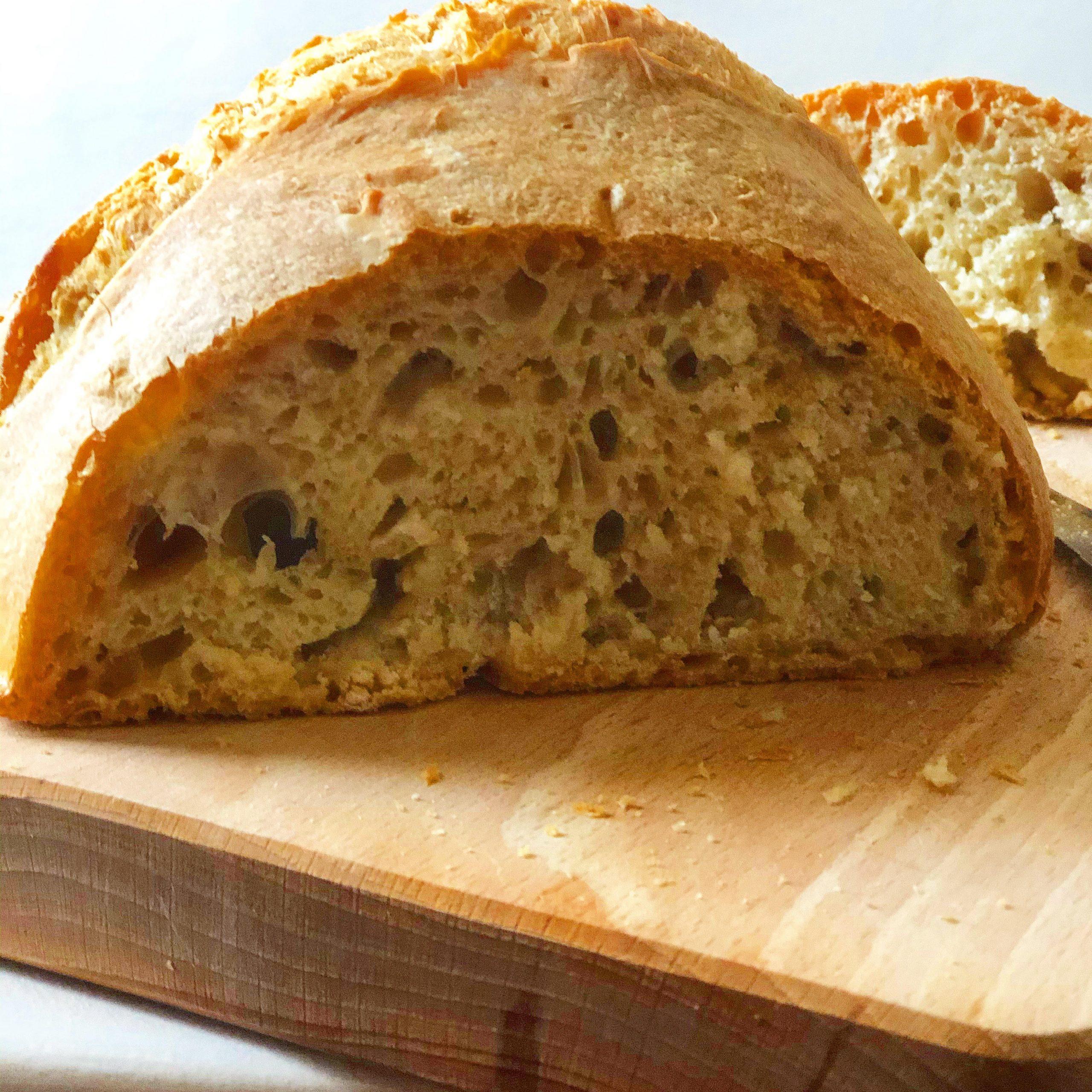 sai perché il pane toscano è insipido?